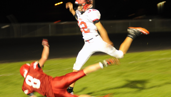 New London's Parker Fermanich collapses to the turf while reaching for a pass to the end zone during the fourth quarter against Shawano on Friday, Sept. 11. Scott Bellile photo